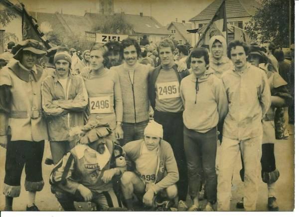 Rappresentativa Bolzano alla Scwarzwald Marathon 1975: Rungger, Ritsch,Monsorno,Del Mastro,Guadagni,Hosp e Veith.